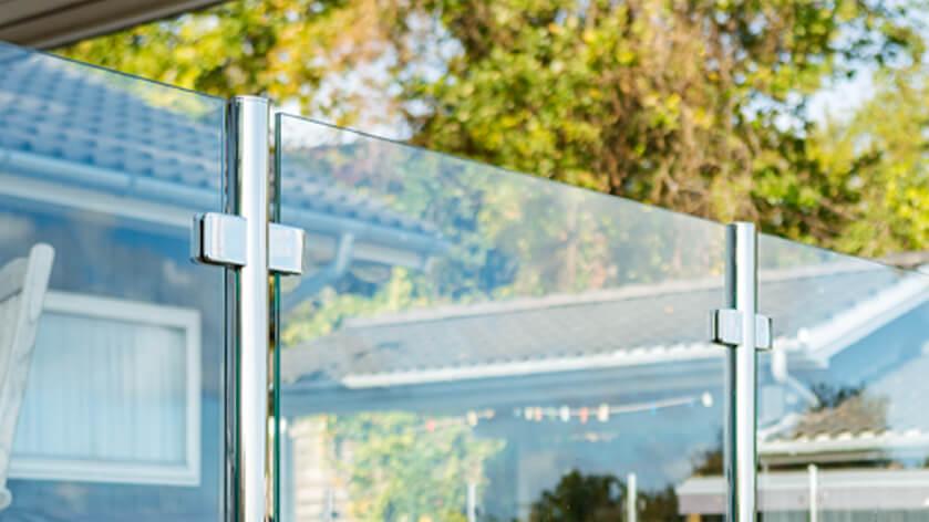 Glasgelænder uden håndliste i rustfri stål